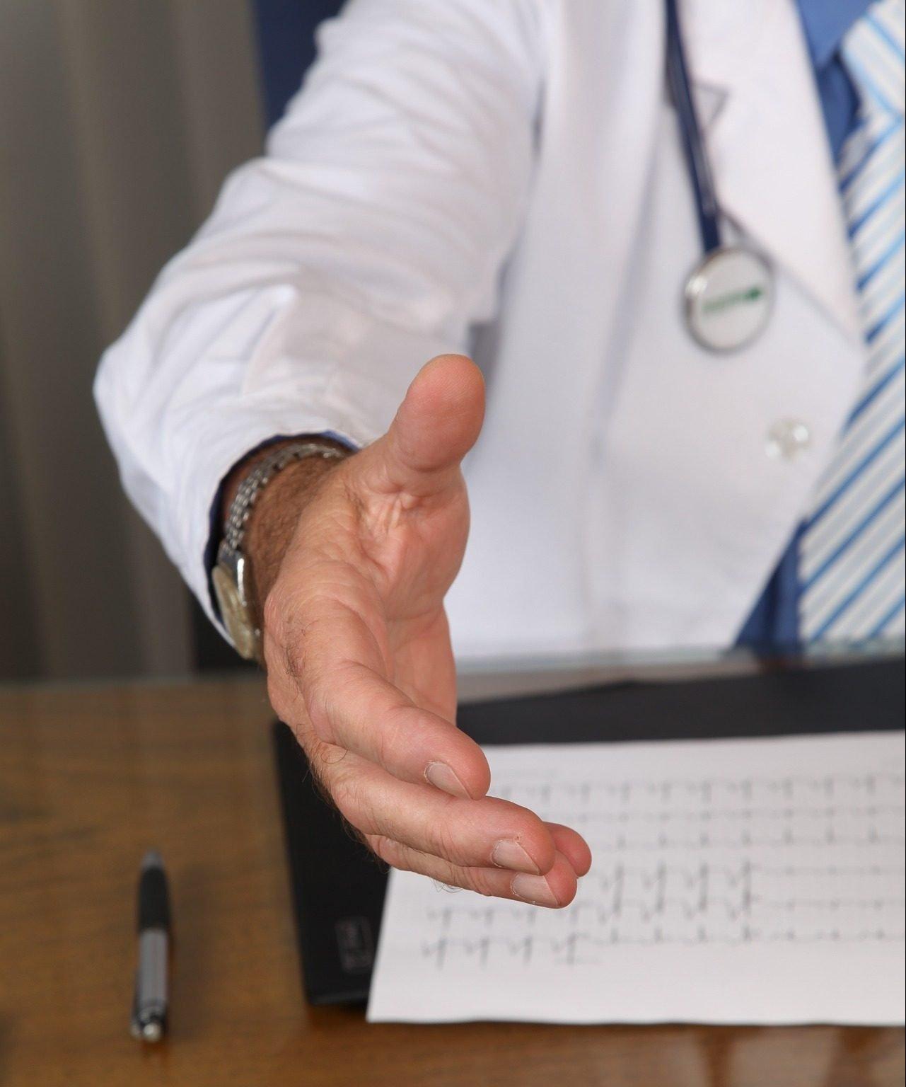 Sponsorizarile medicilor, practici uzuale in sistem