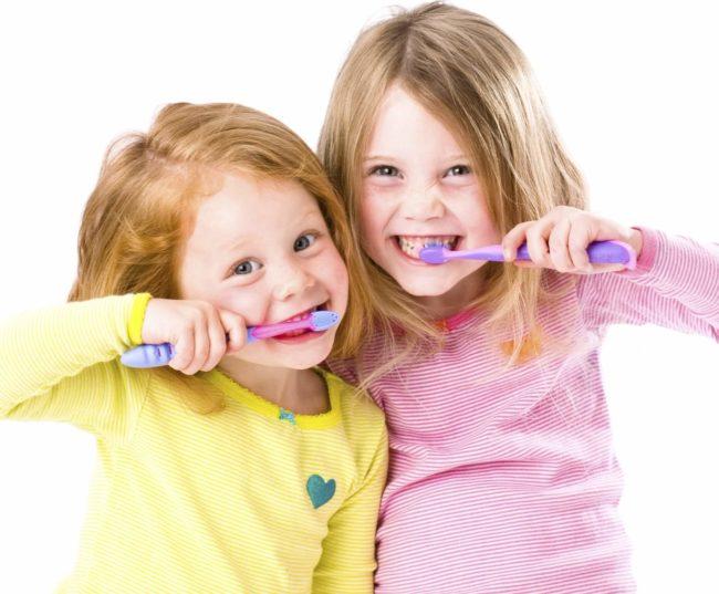 Păstrați un ritm zilnic de spălare a dinților