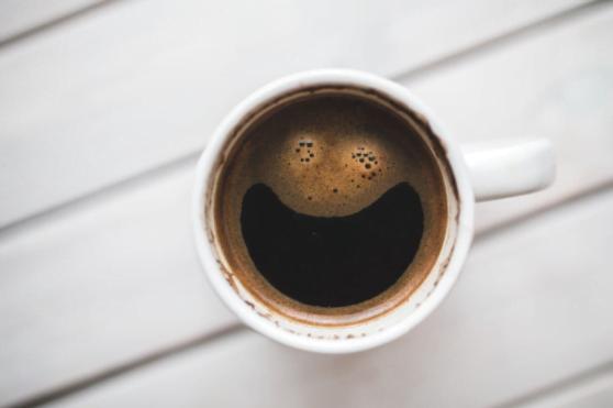 Cum alegi cea mai bună cafea? Ce criterii trebuie să îndeplinească produsul care va aduce energie şi plăcere?
